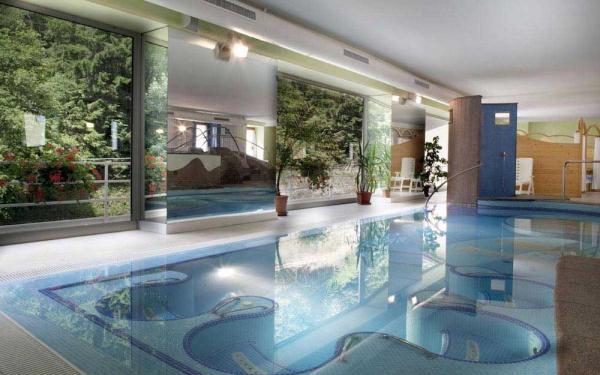 piscina-terme-val-di-rabbi