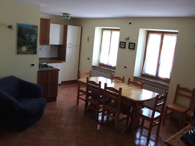 appartamento trilocale arnica cucina